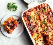 Πίτα λαχανικών πανεύκολη με ζυμαρικό φέτα και ζαμπόν