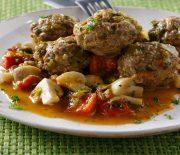 Κεφτέδες στη κατσαρόλα με σάλτσα λαχανικών