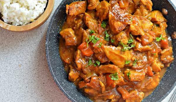 Κοτόπουλο πικάντικο με κάρυ