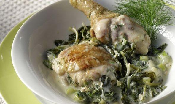 Κοτόπουλο με σταμναγκάθι φρικασέ