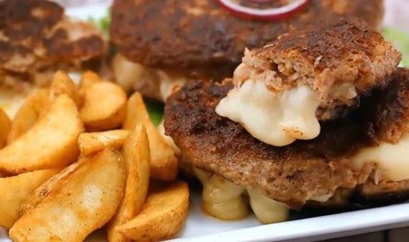 Μπιφτέκια γεμιστά με 2 τυριά και τραγανές πατάτες