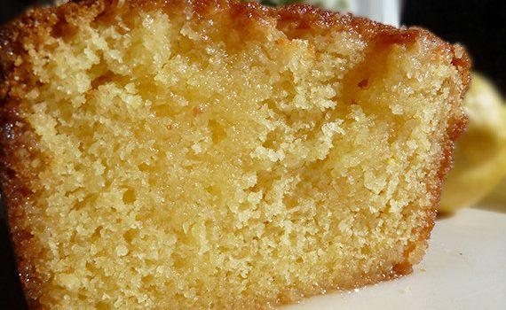 Κέικ λεμονιού υγρό ζουμερό και πανεύκολο