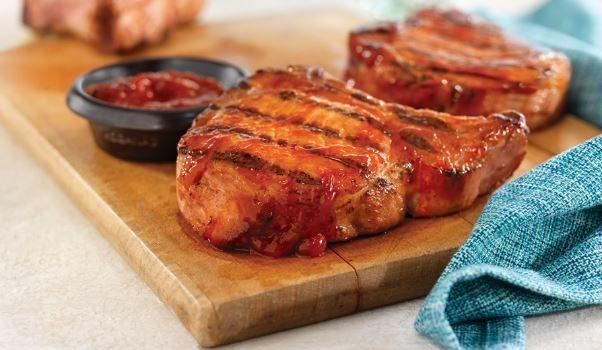 Χοιρινές μπριζόλες λαιμού με σάλτσα BBQ