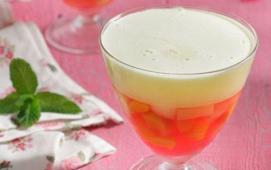 Ζελέ πολύχρωμο με φρούτα και γιαούρτι