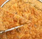 Κασερόπιτα Βόλου με υπέροχο σπιτικό φύλλο