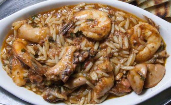 Γιουβέτσι με γαρίδες και χταπόδι στο φούρνο