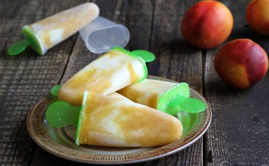 Popsicles με νεκταρίνια και γιαούρτι με 3 υλικά χωρίς ζάχαρη
