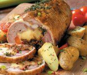 Αρνάκι γεμιστό ρολό με πατάτες στο φούρνο