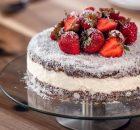 Lamington με υπέροχη γέμιση, γλάσο σοκολάτας και ινδοκάρυδο (Video)