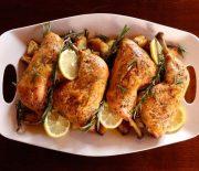 Μπούτια κοτόπουλου σε γλυκόξινη σάλτσα στο φούρνο