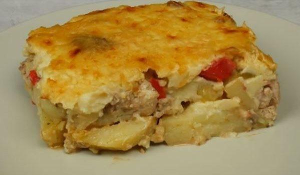 Πατάτες ογκρατέν με κοτόπουλο και μπεσαμέλ (Video)