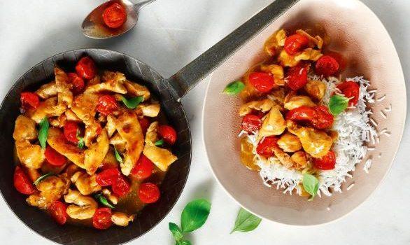 Φιλετάκια κοτόπουλου με ντοματίνια και βασιλικό