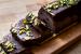 Σεμιφρέντο σοκολάτας με κρέμα γκανάζ και φιστίκια Αιγίνης