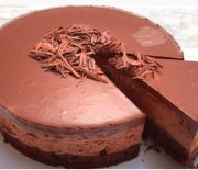 Τούρτα με μους σοκολάτας πανεύκολη (Video)