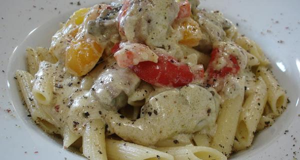 Κοτόπουλο φιλέτο αλα κρεμ με πιπεριές και μανιτάρια