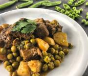 Μοσχαράκι με αρακά και πατάτες