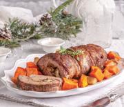 Χοιρινό ρολό γεμιστό με μανιτάρια και κεφαλοτύρι στο φούρνο με γλυκοπατάτες