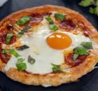 Πίτσες ατομικές της στιγμής για το τέλειο πρωινό (Video)