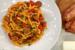 Μακαρονάδα με Σιουφιχτά, λουκάνικο, πιπεριές και γραβιέρα