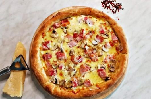 Πίτσα καρμπονάρα η τέλεια