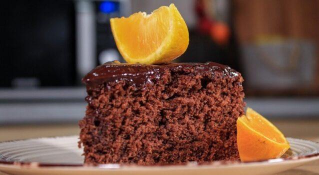 Το πιο αφράτο κέικ σοκολάτας με πορτοκάλι και σοκολατένιο γλάσο (Video)