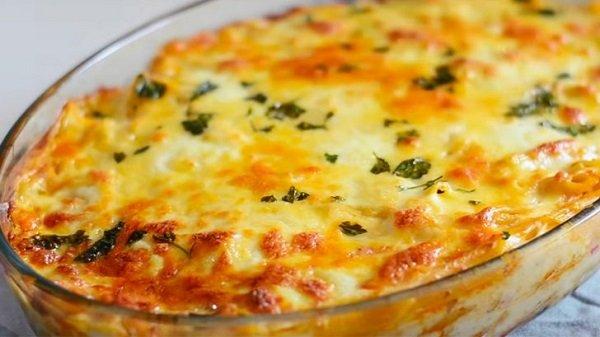 Πέννες με κοτόπουλο και τυριά σε κρεμώδη σάλτσα μπεσαμέλ (Video)