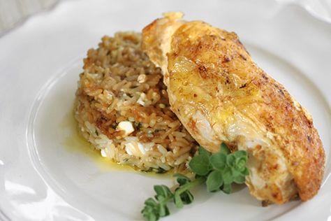 Κοτόπουλο με ρύζι και φέτα στο φούρνο