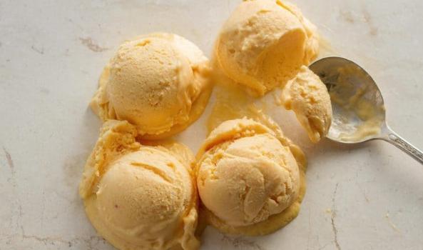 Παγωτό ροδάκινο με 2 μόνο υλικά