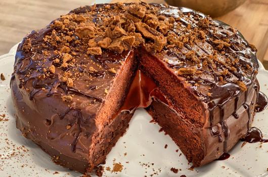 Κέικ σοκολατένιο με επικάλυψη σοκολάτας