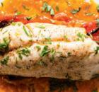 Ψάρι πλακί ζουμερό με μελωμένες πατάτες στον φούρνο