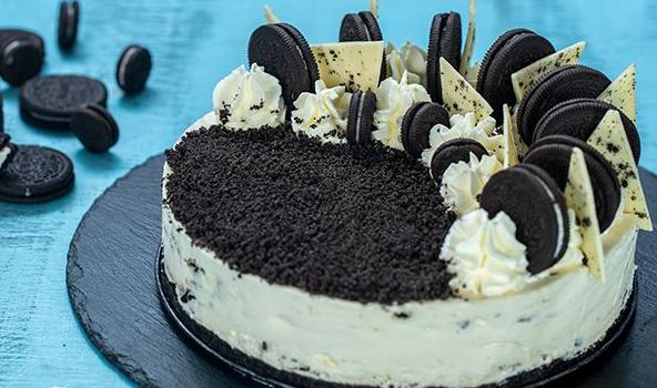 Cheesecake λευκής σοκολάτας με oreo χωρίς ψήσιμο (Video)